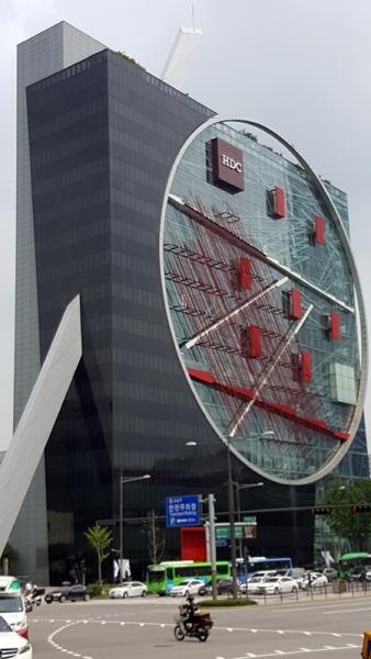 1_Building2-1