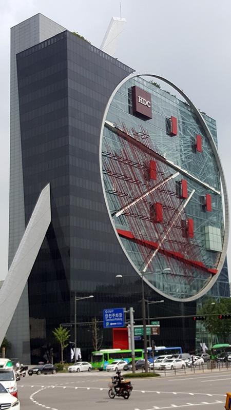 1_Building2